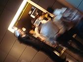 2009出發去東京DAY5:也有男生的服務人員