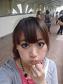 2009出發去東京DAY3:等車的時候看到很多人很妙的打扮