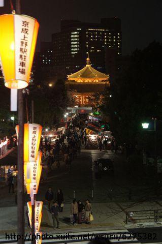 【2013東京賞花】Day1:接下來往不忍池方向移動~有好多路邊攤喔